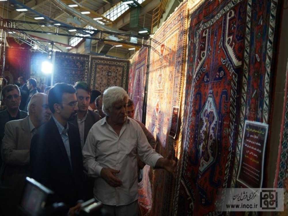 عکس گزارش رئیس انجمن طراحان ونقاشان فرش استان درخصوص طرحهای ثبت جهانی شده به ریاست مرکز ملی فرش ایران